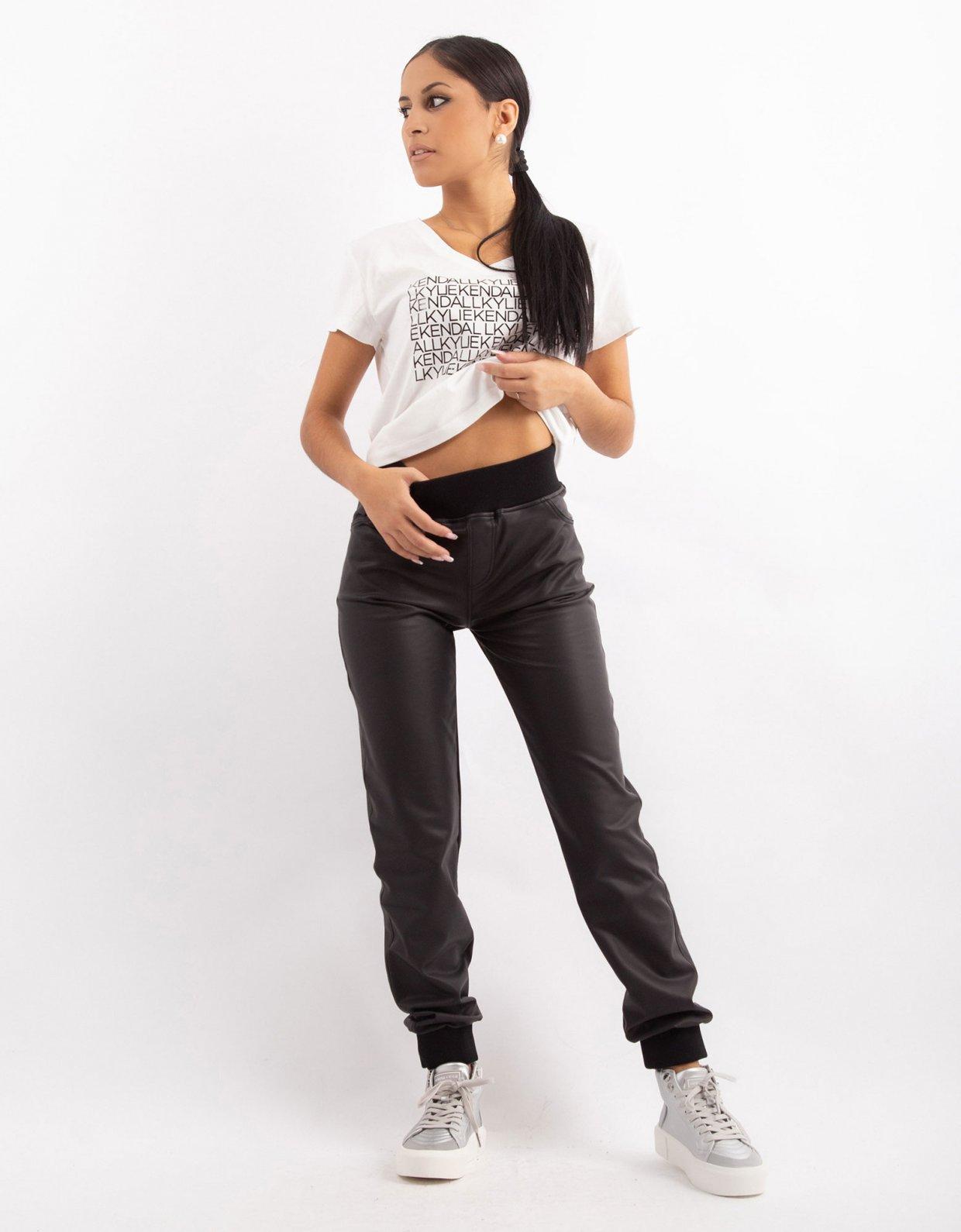 Kendall + Kylie KK V-neck t-shirt