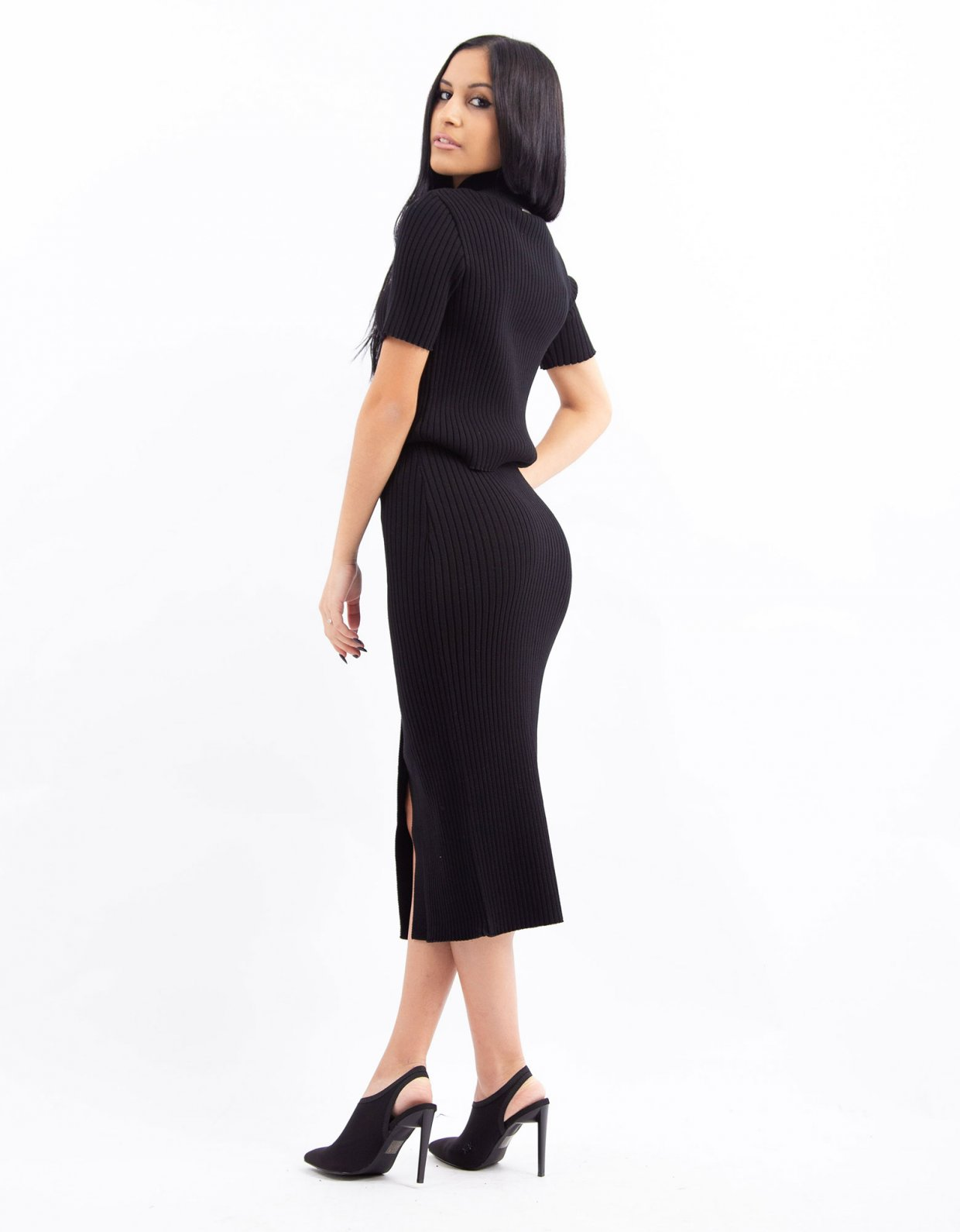 Combos Knitwear Combos W40 – Black buttoned skirt