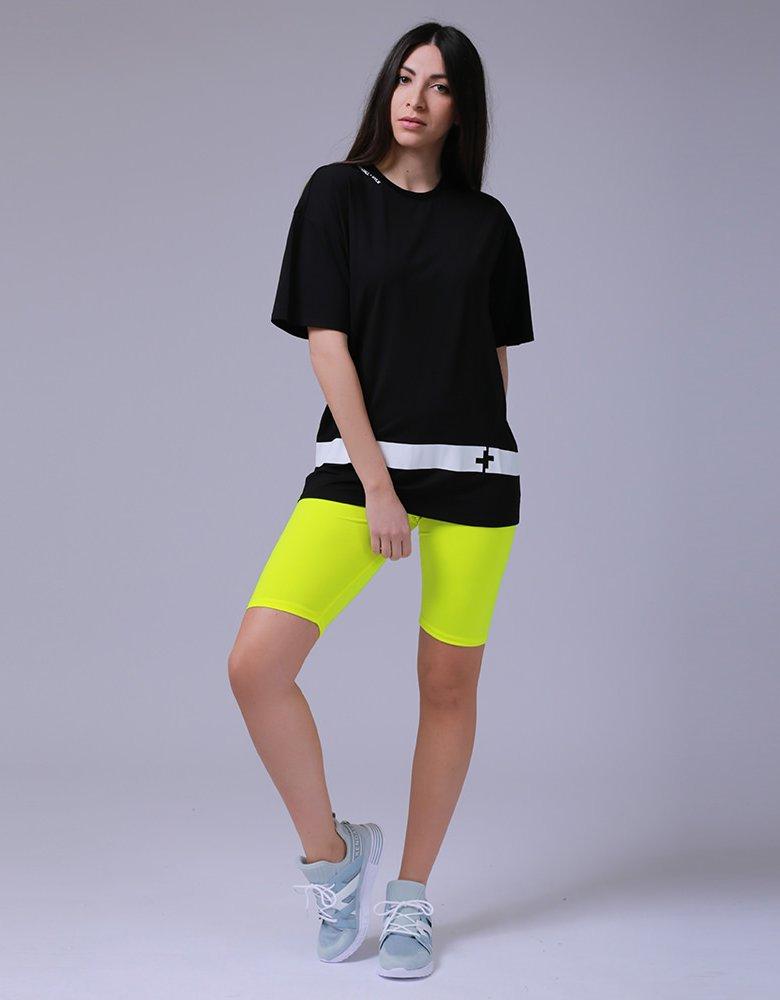 Kendall + Kylie KK 00016 Black t-shirt