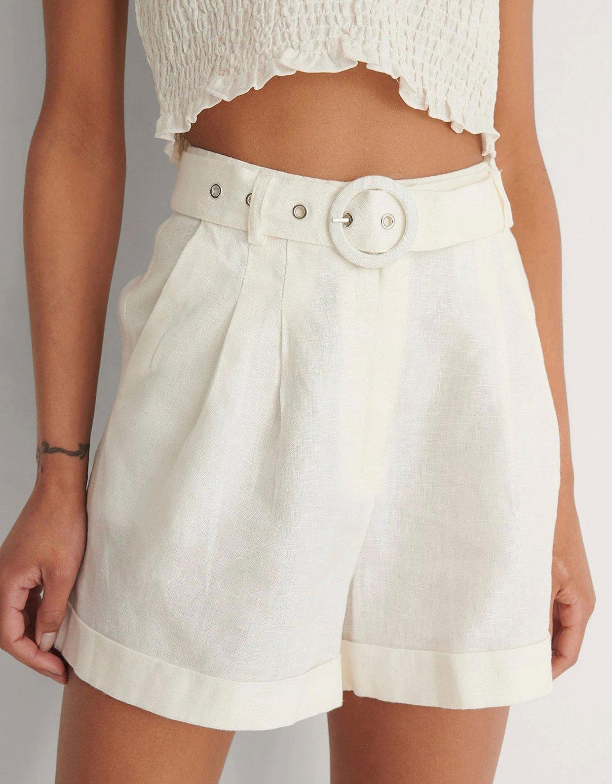 NA-KD Highwaist belted linen shorts beige