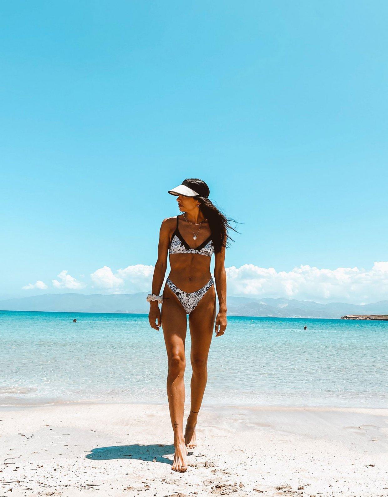 Nadia Rapti Grasse bikini B&W