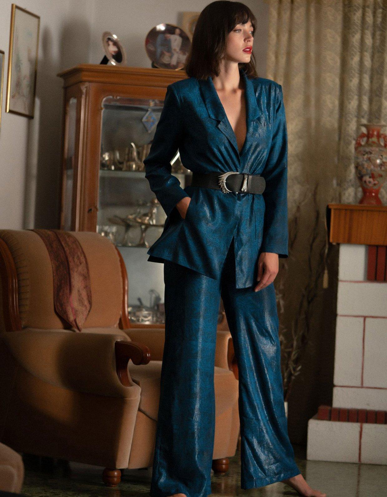 ABSTRACTO Amanda outfit