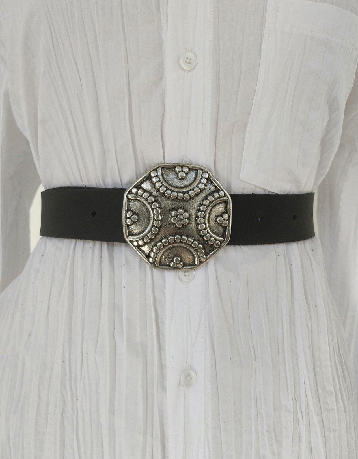 Peace & Chaos Shield leather belt black