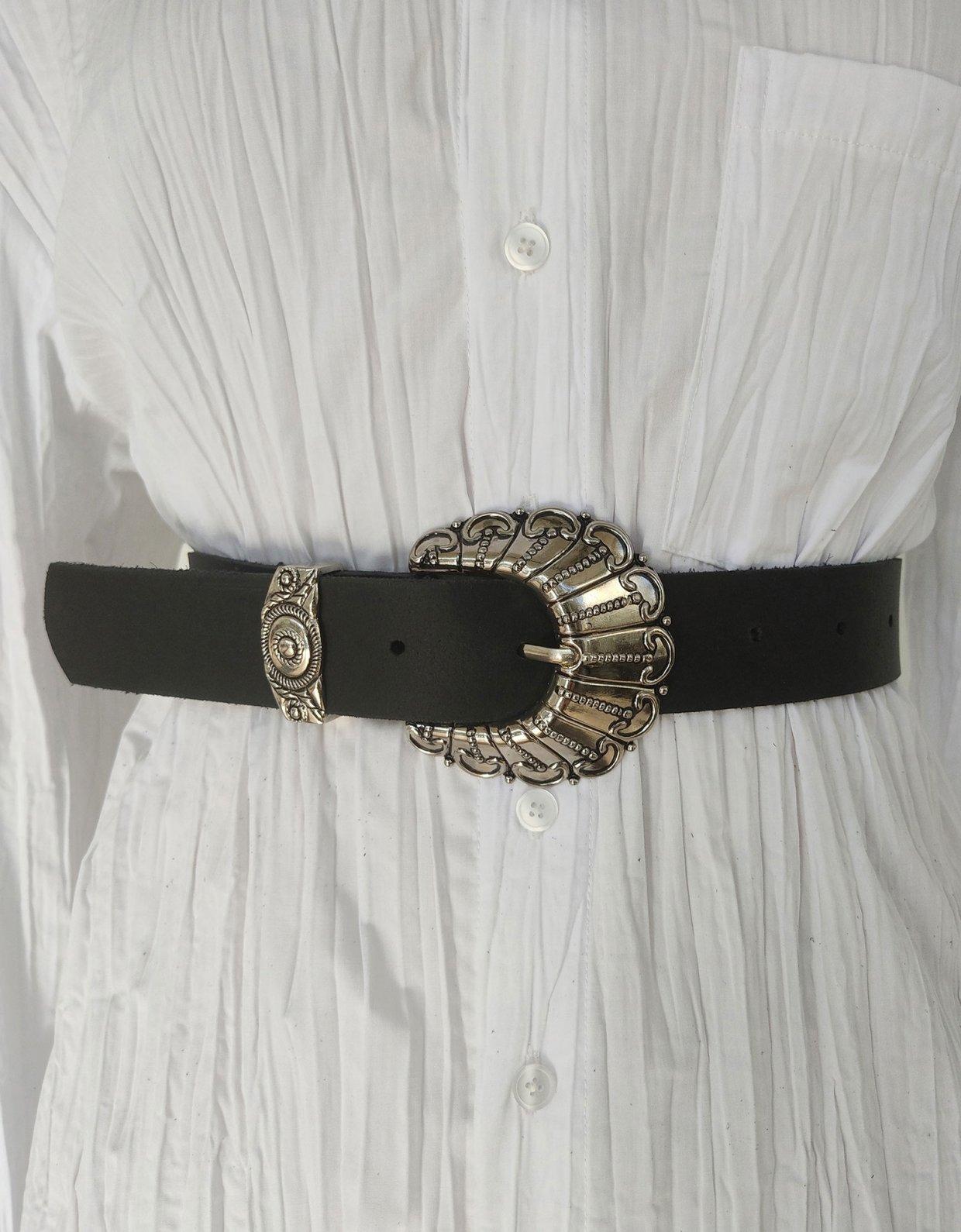 Peace & Chaos Petals leather belt black