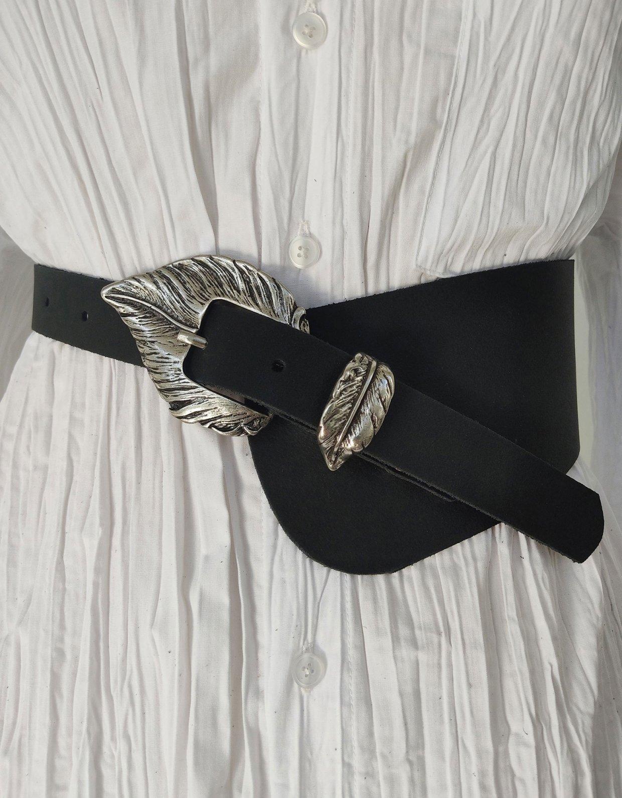 Peace & Chaos Leaf asymmetric leather belt black