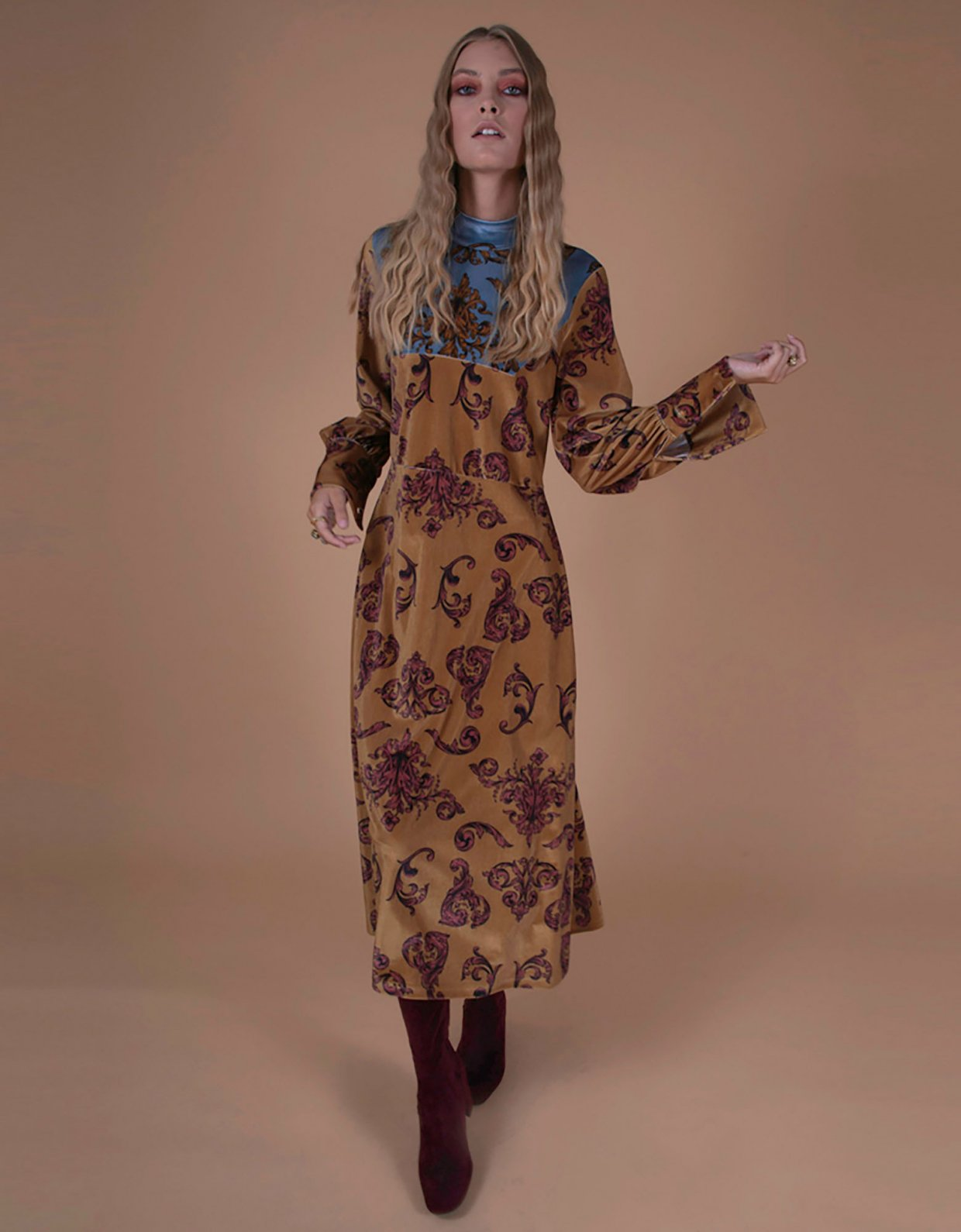 Nidodileda Selene camel midi dress