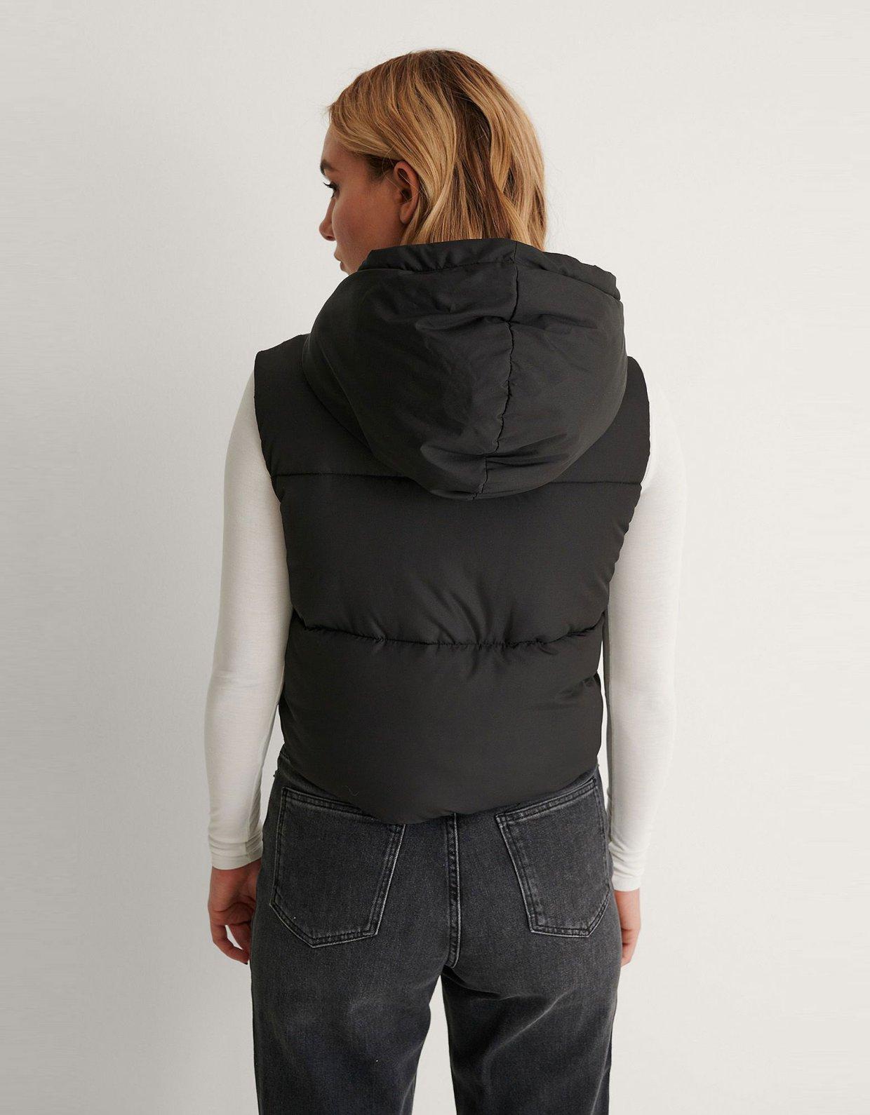 NA-KD Short padded black vest