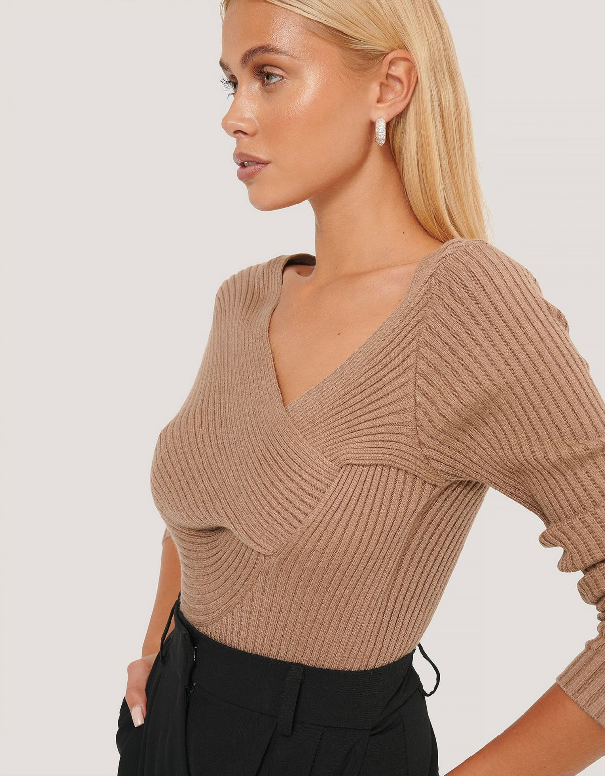 NA-KD Twisted front top brown