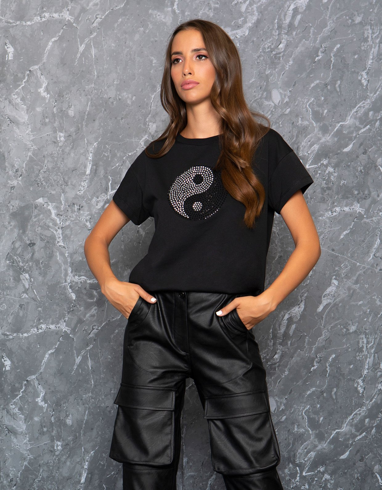 Peace & Chaos Ying yang sparkle tee