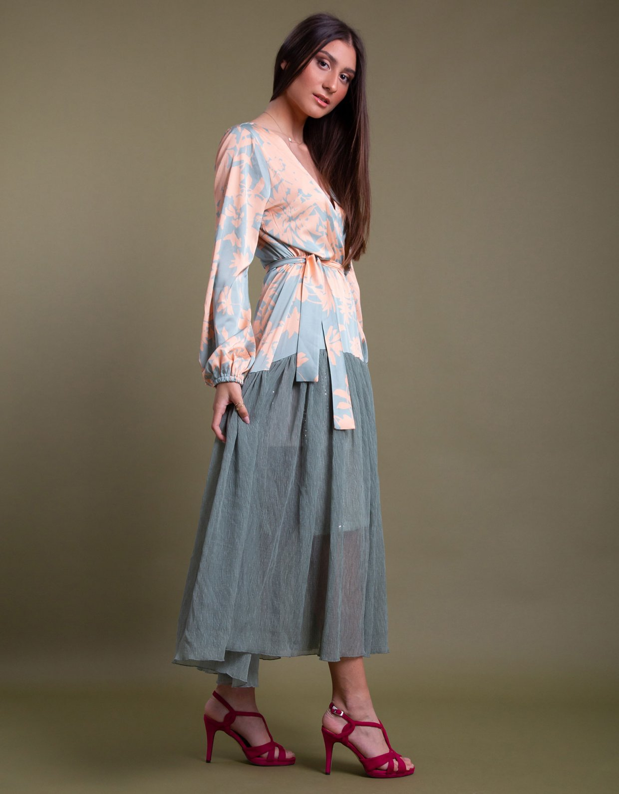 Nidodileda Hydrous kimono