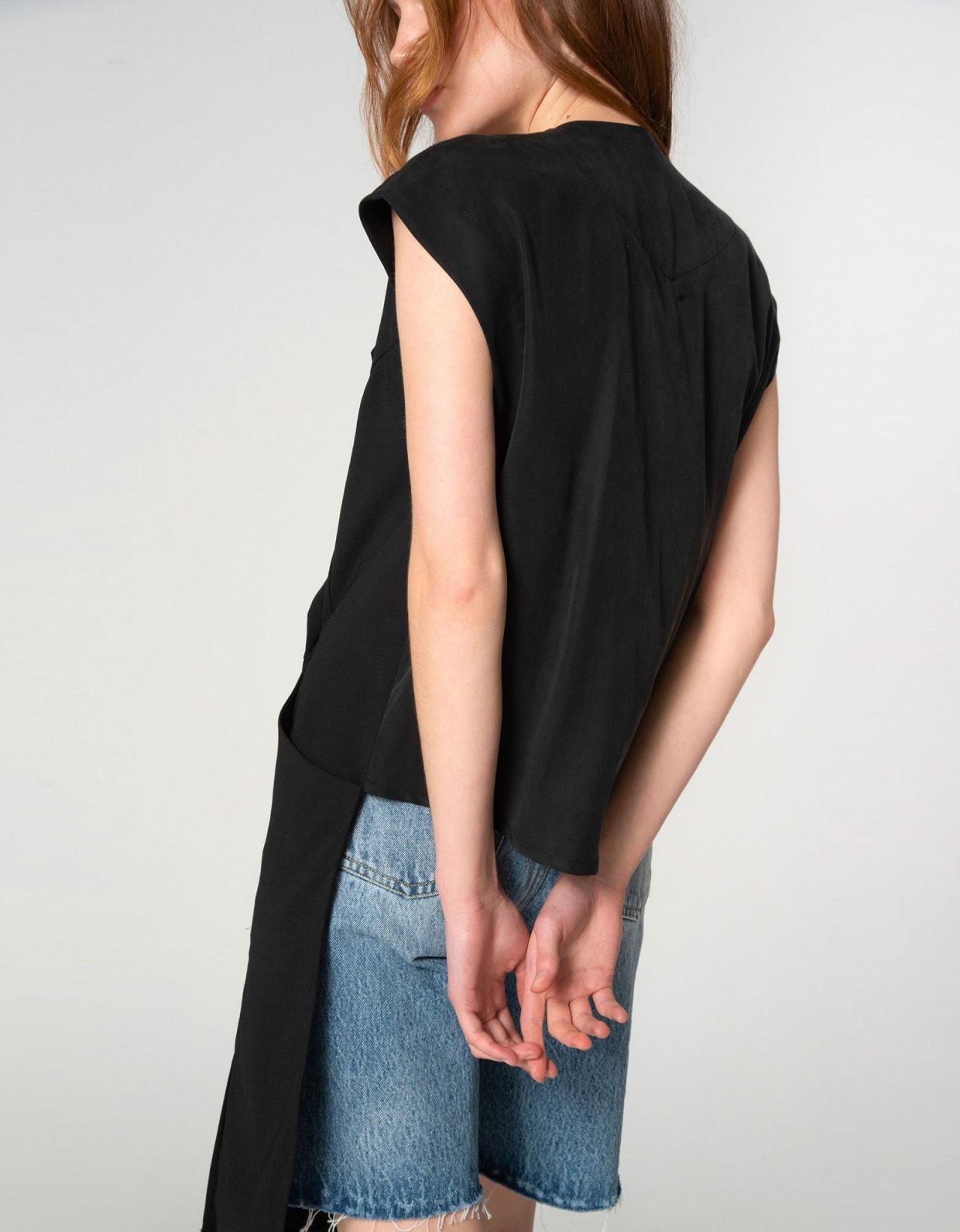 Nadia Rapti Shades of Sahara black vest