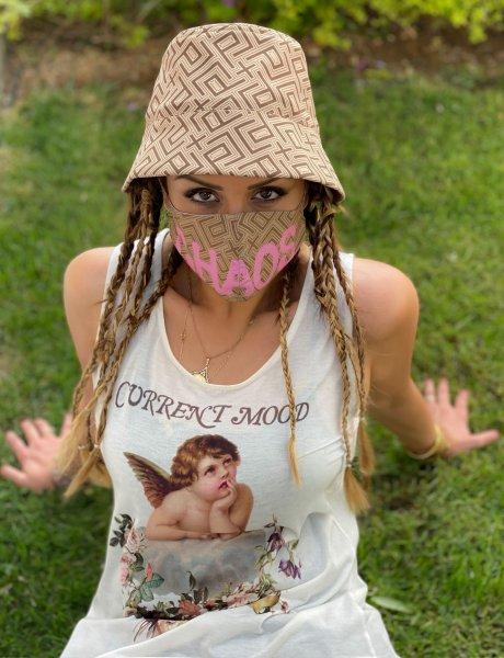 Motif face mask