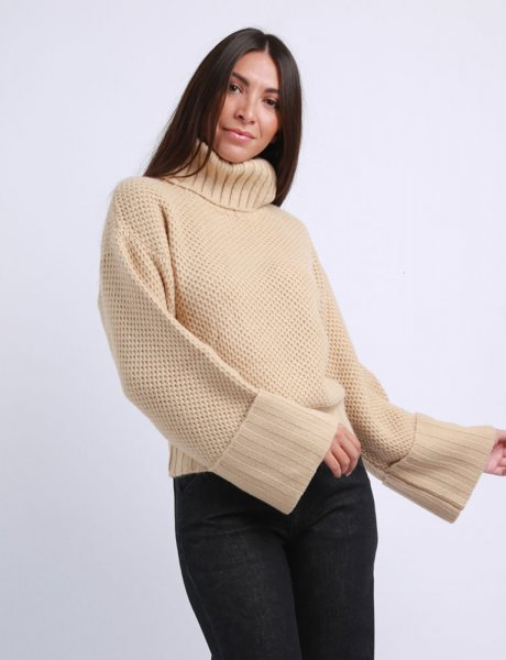 Combos F24 - Camel turtleneck sweater