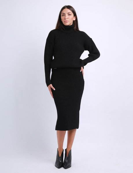 Combos F66 - Knitted black skirt