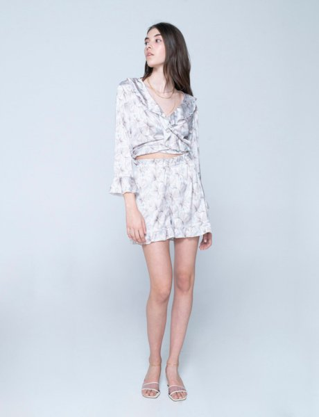 Lucia shorts flowers