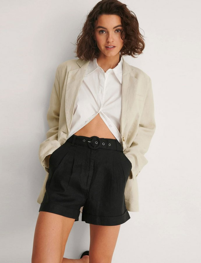 Highwaist belted linen shorts black