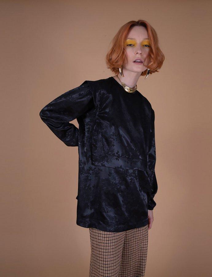 Astrid black  top