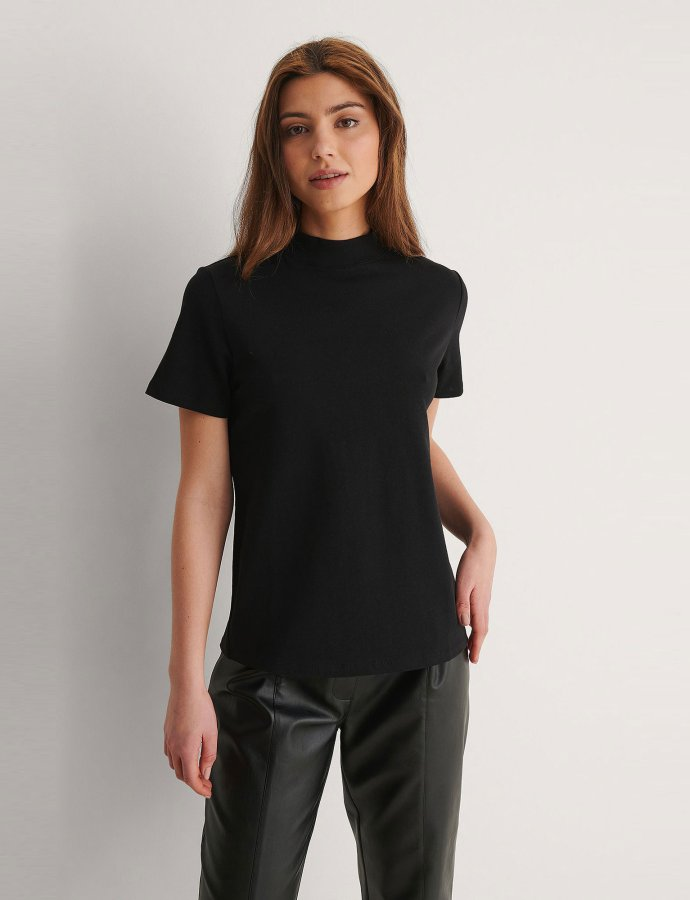 High neck t-shirt black