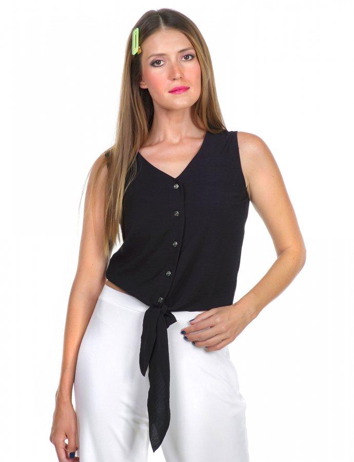 Short sleeveless top