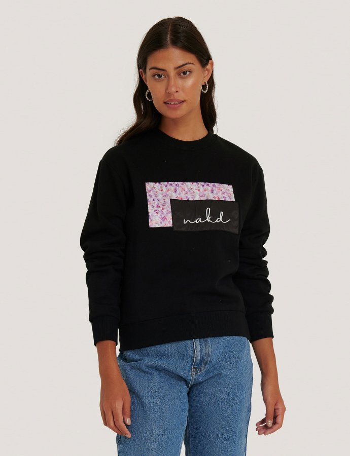NA-KD logo sweater