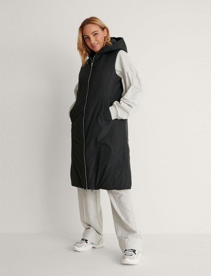 Oversized hooded black vest