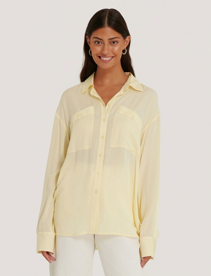 Oversized shirt light yellow
