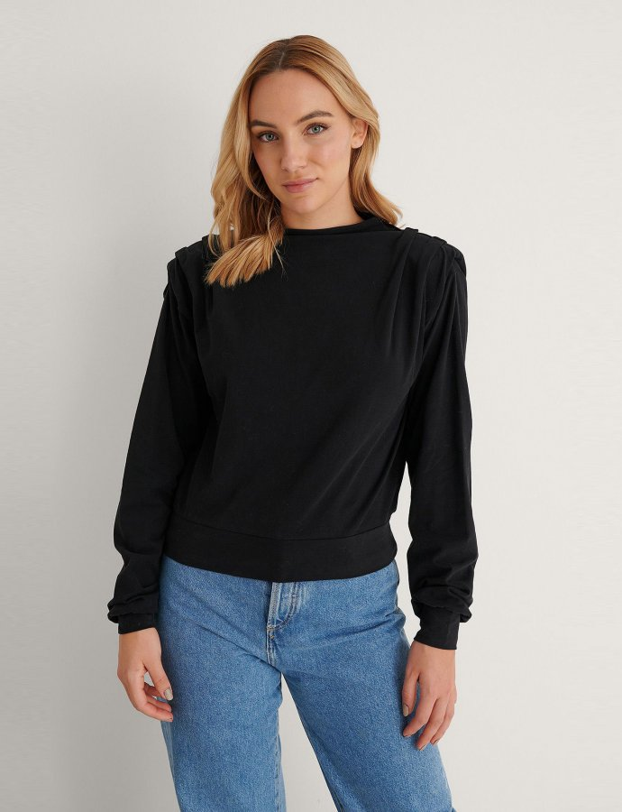Pleated detail sweater black