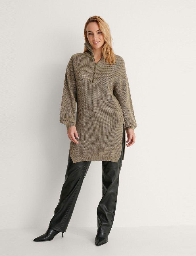 Side slit knitted khaki sweater
