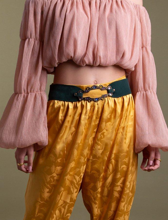 Una belt