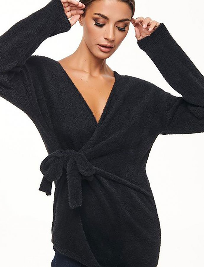 Combos W62 – Black furry wrap top