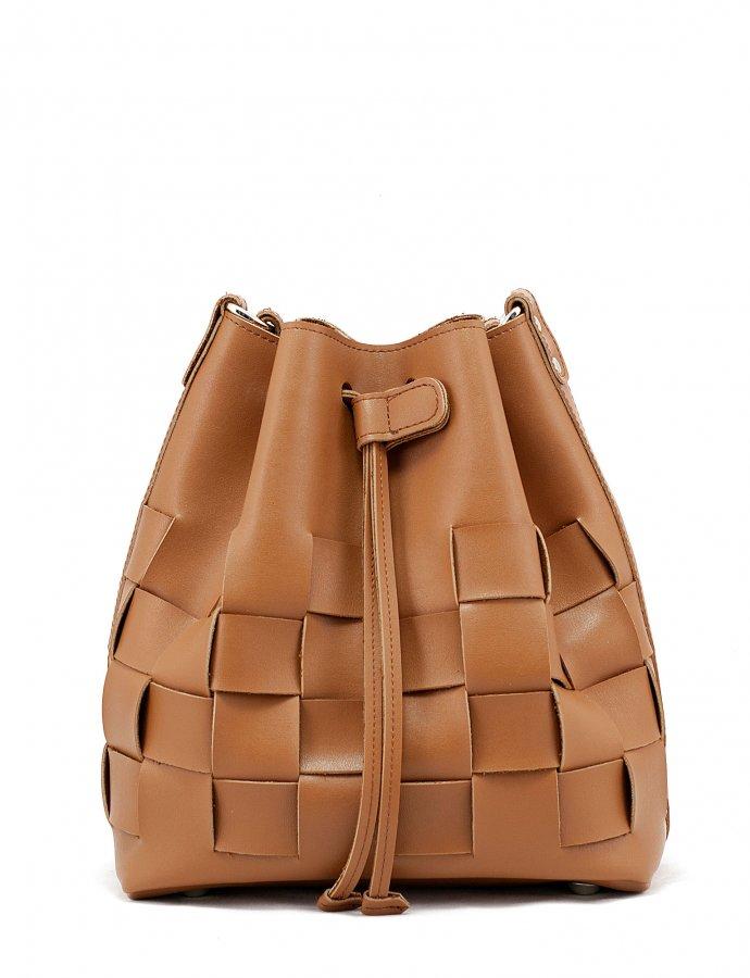 Straw pouch bag cognac