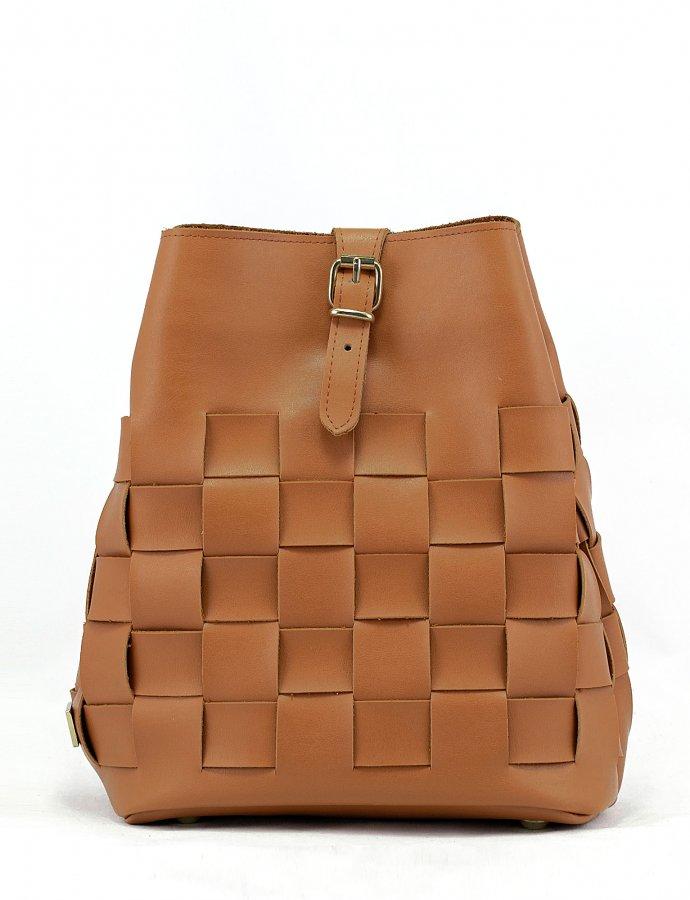 Straw backpack cognac