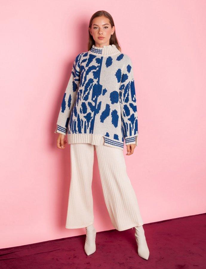 Moon flower blue sweater