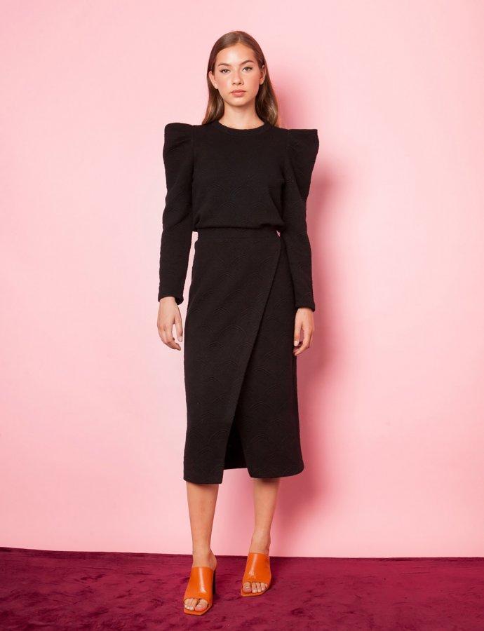 Mio black skirt