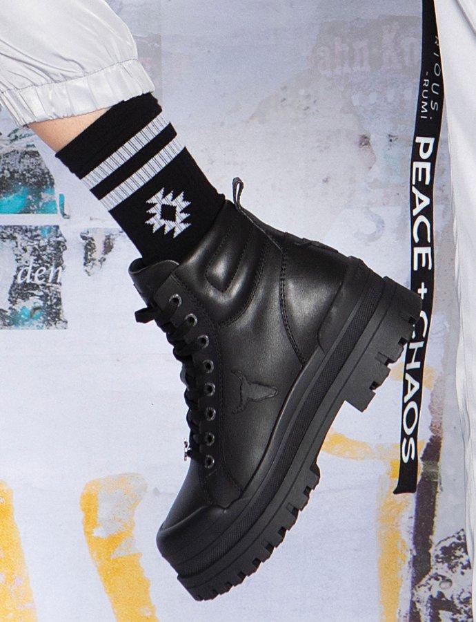 Black chaka socks