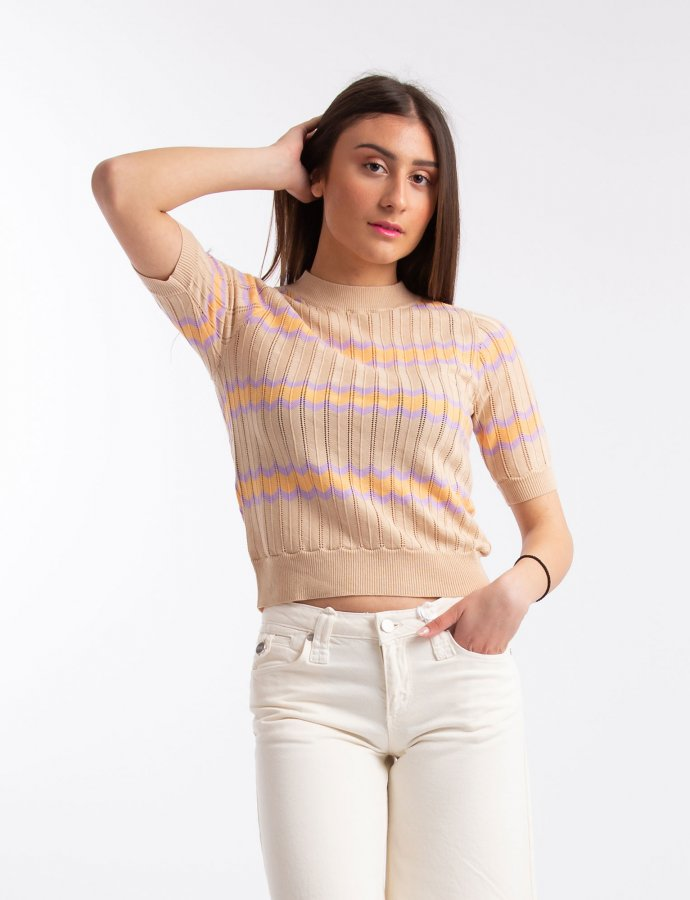 Short sleeve zigzag stripe top