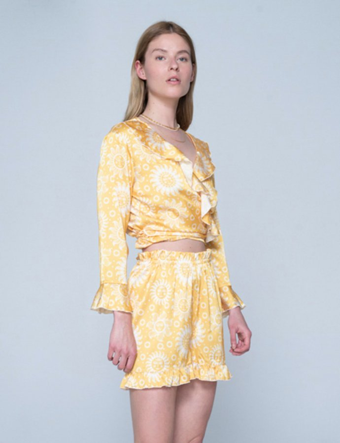 Lily top sun yellow